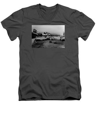 Men's V-Neck T-Shirt featuring the photograph Fine Art Back And White252 by Joseph Amaral