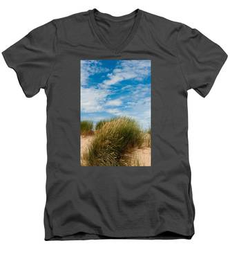 Formby Sand Dunes And Sky Men's V-Neck T-Shirt