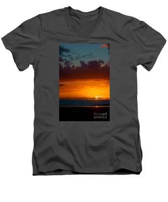 Gower Sundown Men's V-Neck T-Shirt