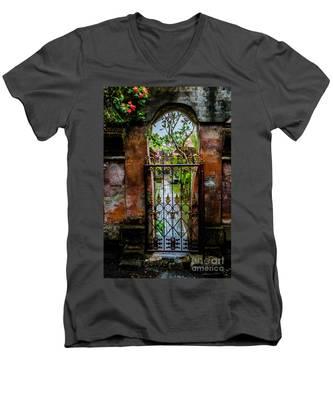 Bali Gate Men's V-Neck T-Shirt