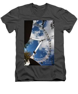 London Ferris Wheel Men's V-Neck T-Shirt