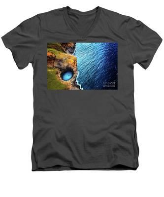 Na Pali Coast Kauai Men's V-Neck T-Shirt
