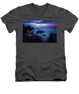 Point Dume Rock Formations Men's V-Neck T-Shirt
