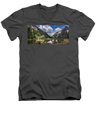 Pyramid Peak, Maroon Bells, And Crater Lake Panorama Men's V-Neck T-Shirt