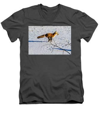 Red Fox On The Run Men's V-Neck T-Shirt