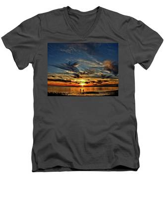 Sunset At The Waters Edge Men's V-Neck T-Shirt