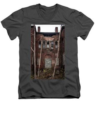Beauty In Decay Men's V-Neck T-Shirt