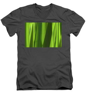 Blades 8851 Men's V-Neck T-Shirt