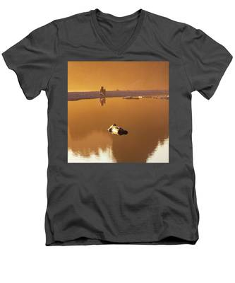 Girl On A Beach With A Camera Men's V-Neck T-Shirt by Kyle Lee