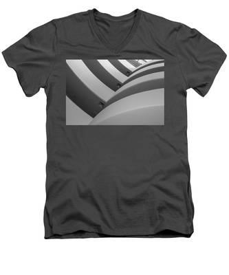 Guggenheim_museum Men's V-Neck T-Shirt