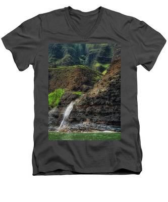 Na Pali Coast Waterfall Men's V-Neck T-Shirt