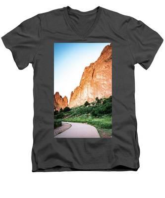 Sandstone Rock Formations In Colorado Men's V-Neck T-Shirt by Kyle Lee