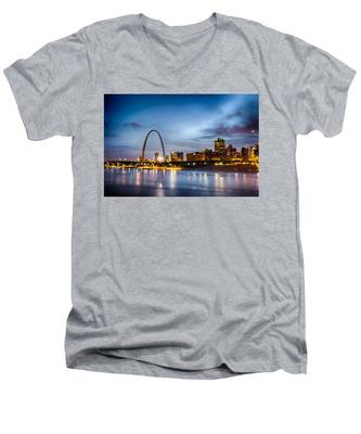 City Of St. Louis Skyline. Image Of St. Louis Downtown With Gate Men's V-Neck T-Shirt
