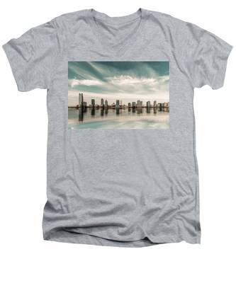 a look to New Jersey  Men's V-Neck T-Shirt