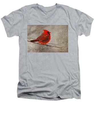 Cardinal In Snow Men's V-Neck T-Shirt