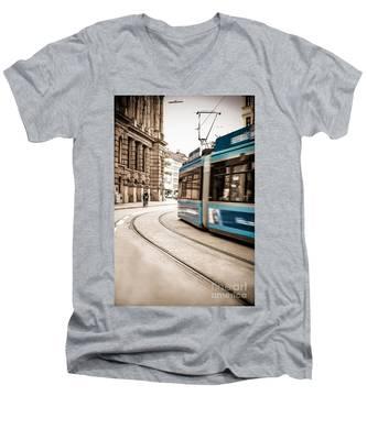 Munich City Traffic Men's V-Neck T-Shirt