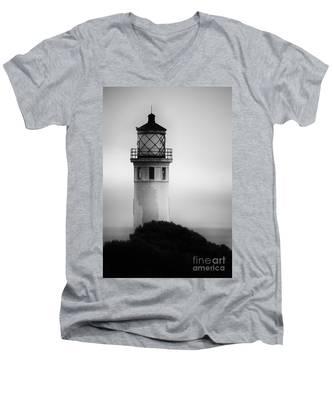 Pointe Vincente Lighthouse Men's V-Neck T-Shirt
