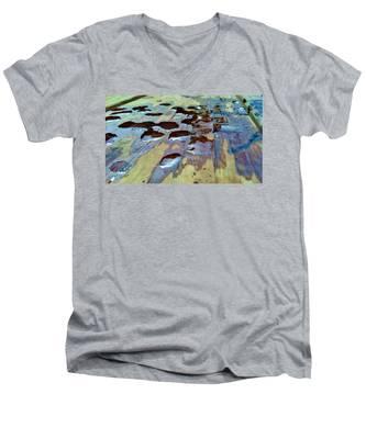 Standing Drops Men's V-Neck T-Shirt