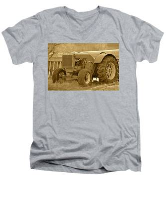 This Old Tractor Men's V-Neck T-Shirt