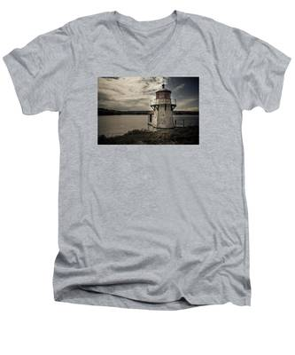 Men's V-Neck T-Shirt featuring the photograph Dramatic Mid-day Shot Of Squirrel Point by Kyle Lee