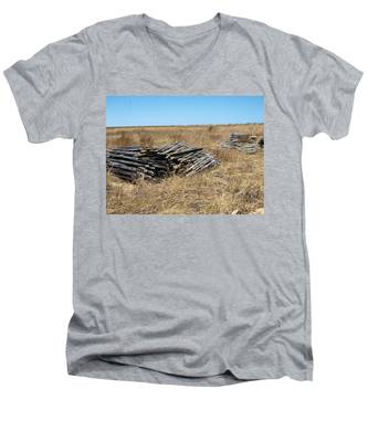 Fence Bails Men's V-Neck T-Shirt
