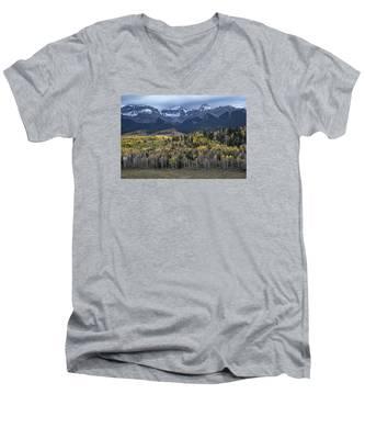 Last Light On Autumn Aspens Men's V-Neck T-Shirt