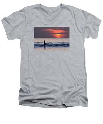 Llangennith One More Wave Men's V-Neck T-Shirt