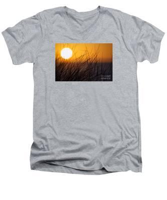 Llangennith Sun Men's V-Neck T-Shirt