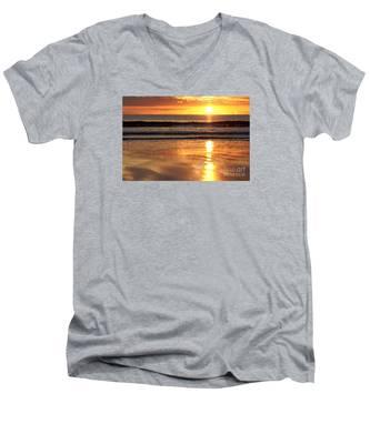 Llangennith Sundown Men's V-Neck T-Shirt