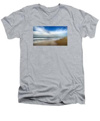 Loan Sufer Men's V-Neck T-Shirt