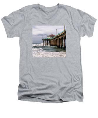 Manhattan Pier Surf Men's V-Neck T-Shirt