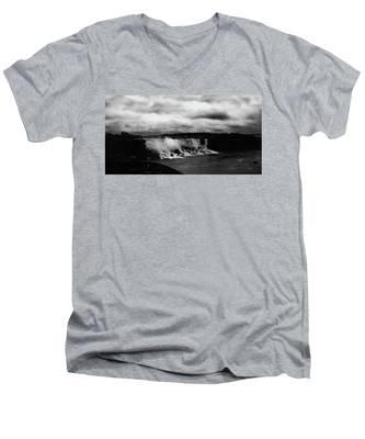Niagara Falls - Small Falls Men's V-Neck T-Shirt