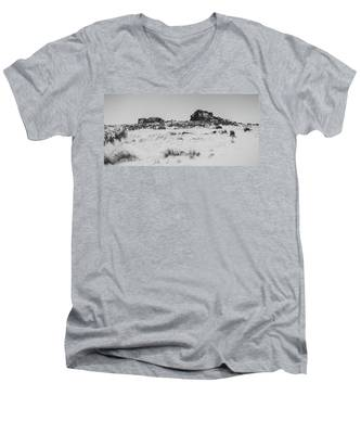 South Hessary Tor In The Snow Men's V-Neck T-Shirt