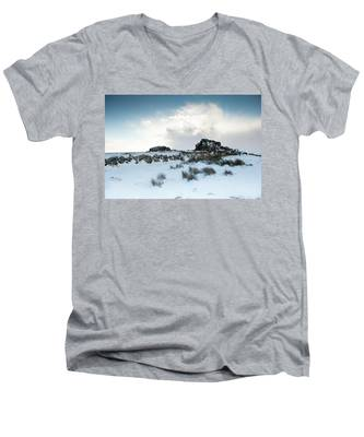 South Hessary Tor In The Snow II Men's V-Neck T-Shirt