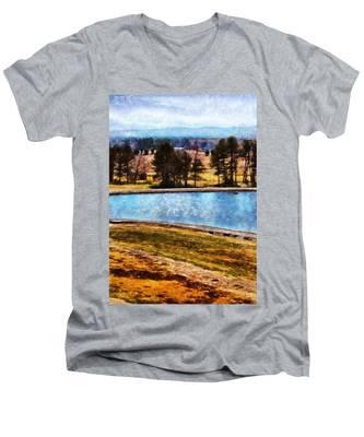 Southern Farmlands Men's V-Neck T-Shirt