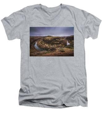 Verde River Horseshoe Men's V-Neck T-Shirt