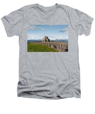 Vista House At Crown Point Men's V-Neck T-Shirt