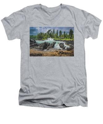 Waves Crashing Kawee Point Men's V-Neck T-Shirt