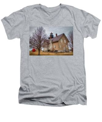 30 Mile Lighthouse  Men's V-Neck T-Shirt