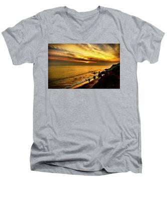 El Matador Beach Sunset Men's V-Neck T-Shirt