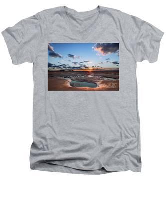 Llangennith Beach Men's V-Neck T-Shirt