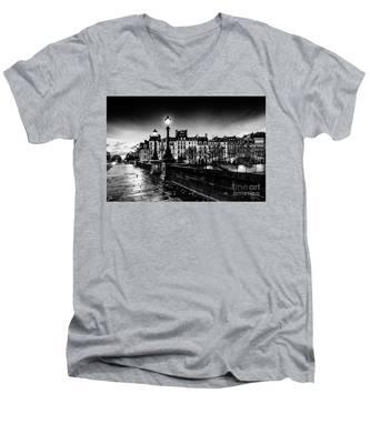 Paris At Night - Pont Neuf Men's V-Neck T-Shirt