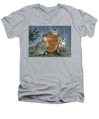 Tres Gatos Men's V-Neck T-Shirt