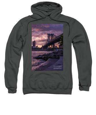 Nyc- Manhatten Bridge At Night Sweatshirt
