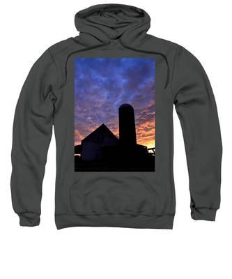 Barnyard Sunrise I Sweatshirt