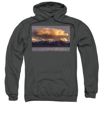 Cloud Over Namtso Sweatshirt