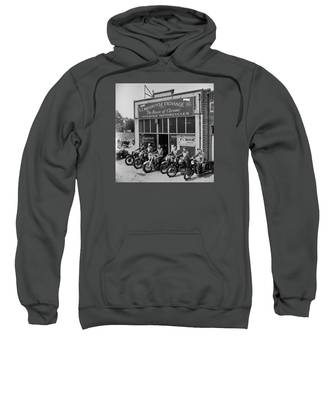 The Motor Maids Of America Outside The Shop They Used As Their Headquarters, 1950. Sweatshirt