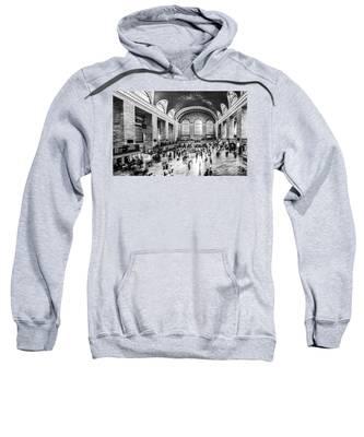 Grand Central Station -pano Bw Sweatshirt