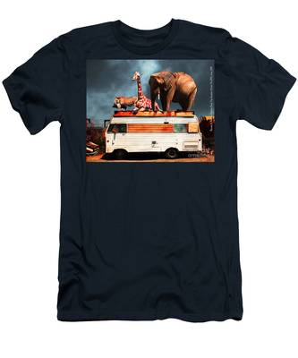 Barnum And Baileys Fabulous Road Trip Vacation Across The Usa Circa 2013 5d22705 With Text Men's T-Shirt (Athletic Fit)