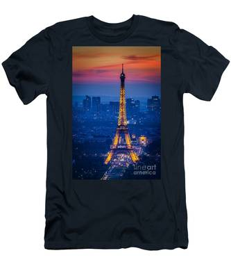 Eiffel Tower At Twilight Men's T-Shirt (Athletic Fit)